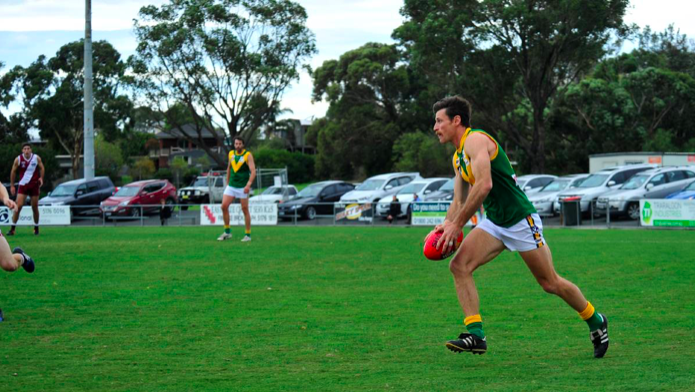 Gippsland League Round 1 review: Predatory Parrots pummel Power | via Latrobe Valley Express |